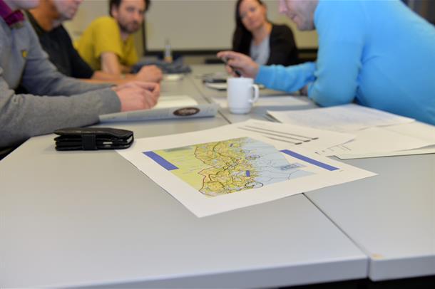 Kartet er med når gruppene diskuterer ny sykehusstruktur