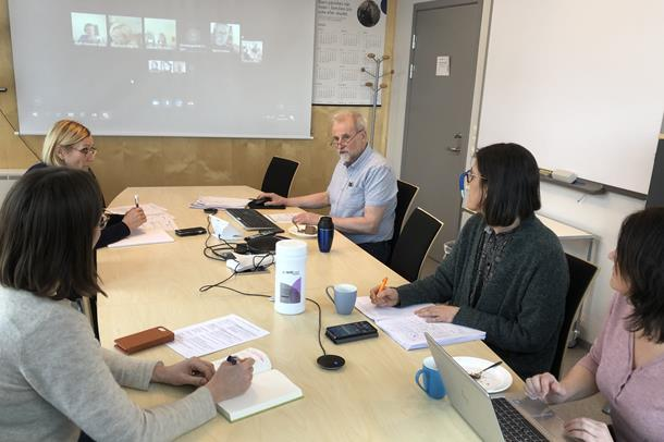 Fra dagens møte i katastrofeledelsen i Helgelandssykehuset. Store deler av katastrofeledelsen deltok på Skype.